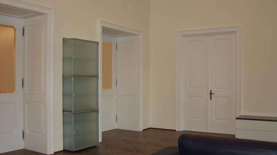innent ren aus holz ma gefertigt und in jedem design hessl. Black Bedroom Furniture Sets. Home Design Ideas