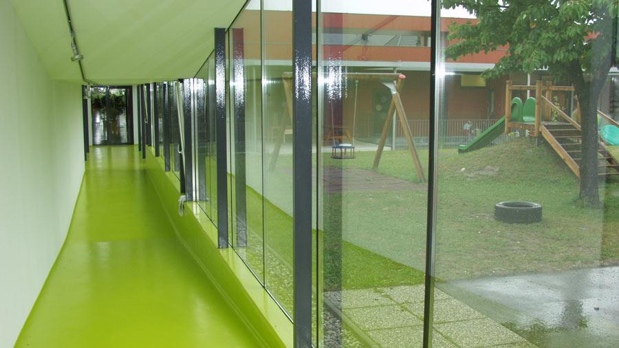kindergarten ennsdorf in nieder sterreich eine naturnahe kindgerechte erlebniswelt hessl. Black Bedroom Furniture Sets. Home Design Ideas