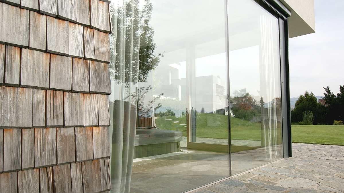 Modernes haus mit flachdach im salzburger seenland hessl for Haus modern flachdach