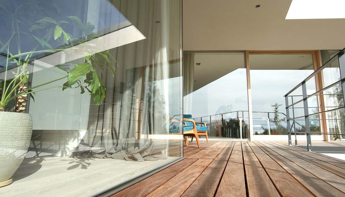 Modernes Haus mit Flachdach im Salzburger Seenland - HESSL